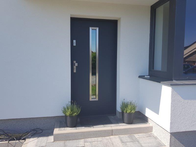 Vchodové dveře do rodinného domu
